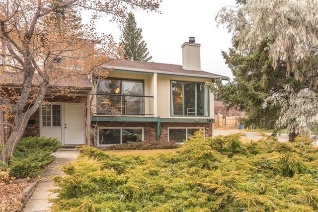 303 Coach Side Road SW, Calgary, AB T3H 1C7 (#C4215014) :: Calgary Homefinders
