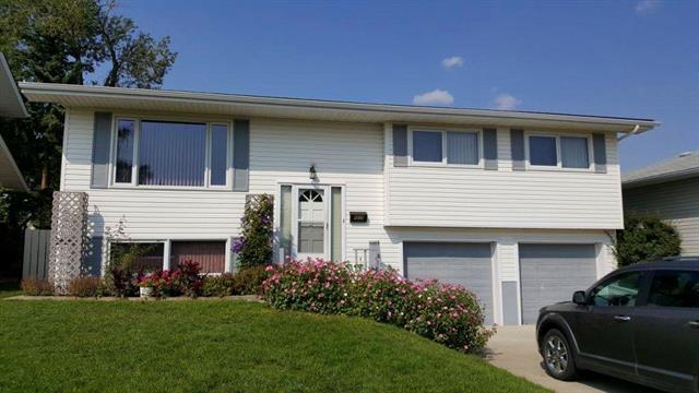 4839 Nelson Road NW, Calgary, AB T2K 2M1 (#C4215066) :: Tonkinson Real Estate Team