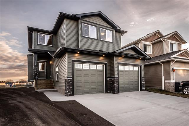 722 Hampshire Cove NE, High River, AB T1V 0E6 (#C4215134) :: Redline Real Estate Group Inc