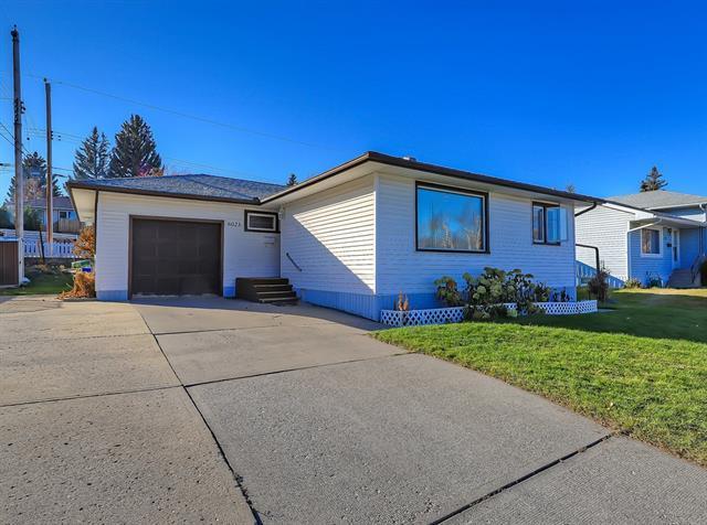 6023 Thornbank Drive NW, Calgary, AB T2K 3P4 (#C4215144) :: Calgary Homefinders