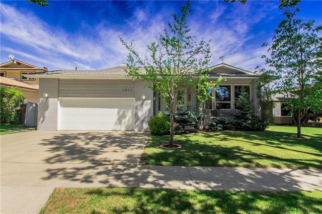 2932 Palliser Drive SW, Calgary, AB T2V 4G2 (#C4215167) :: Your Calgary Real Estate