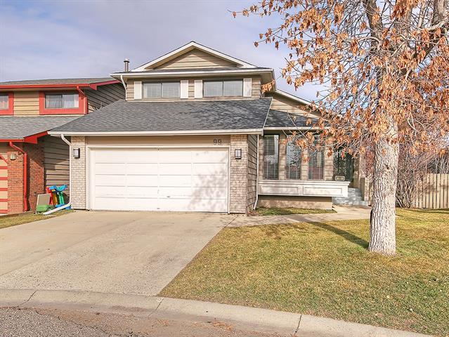 99 Bernard Court NW, Calgary, AB T3K 2B3 (#C4215187) :: Tonkinson Real Estate Team