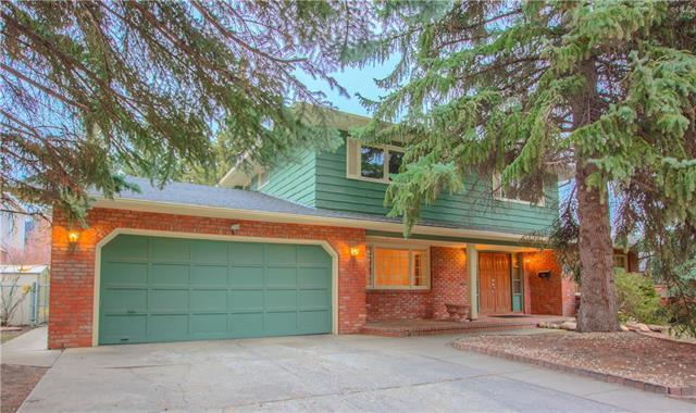 8 Eagle Ridge Place SW, Calgary, AB T2V 2V9 (#C4215238) :: Redline Real Estate Group Inc