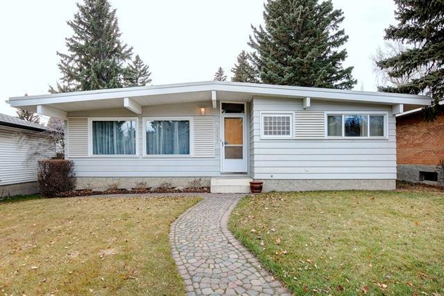 5307 Brisebois Drive NW, Calgary, AB T2L 2G7 (#C4215247) :: Calgary Homefinders