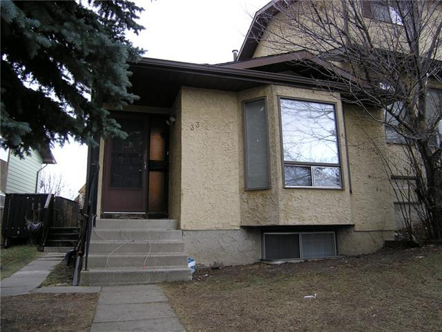 33 Beaconsfield Crescent NW, Calgary, AB T3K 1W5 (#C4215269) :: Canmore & Banff
