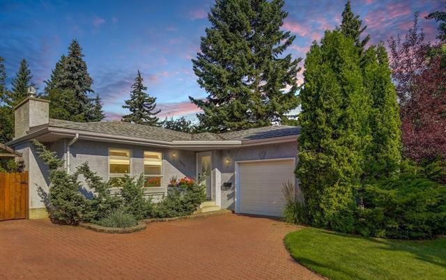 9815 Paliscliffe Road SW, Calgary, AB T2V 3V8 (#C4215334) :: Your Calgary Real Estate