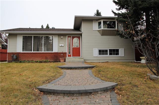 244 Oakhill Place SW, Calgary, AB T2V 3X4 (#C4215385) :: Your Calgary Real Estate