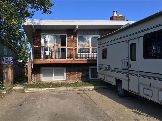 1834 46 Street SE, Calgary, AB T2B 2J9 (#C4215446) :: Redline Real Estate Group Inc