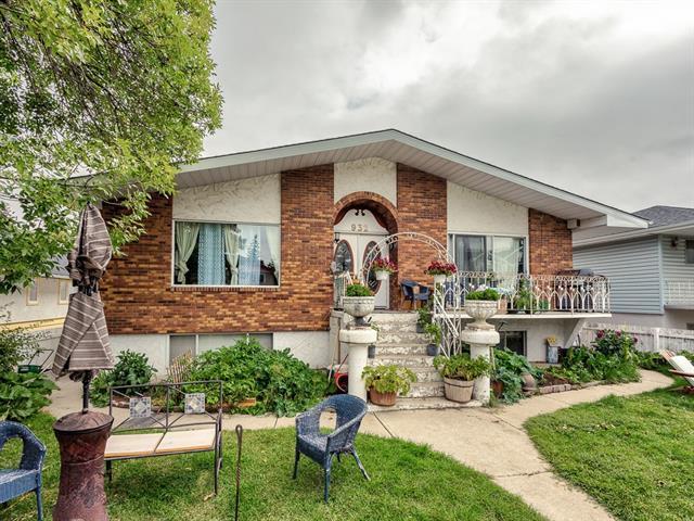 932 39 Street SW, Calgary, AB T3C 1T9 (#C4215496) :: Redline Real Estate Group Inc