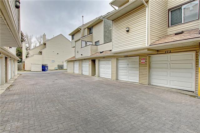 77 Glamis Green SW #273, Calgary, AB T3E 6T9 (#C4215537) :: Twin Lane Real Estate