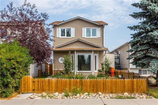 92 Martindale Boulevard NE, Calgary, AB T3J 2X5 (#C4215562) :: Tonkinson Real Estate Team