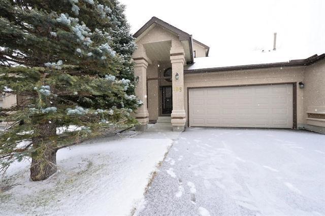 108 Oakbriar Close SW, Calgary, AB T2V 5H2 (#C4215874) :: Your Calgary Real Estate