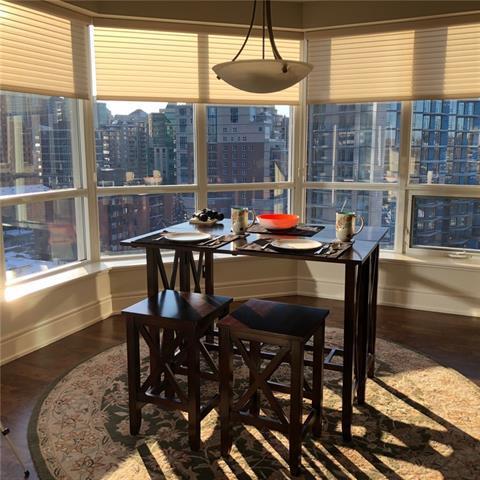 690 Princeton Way SW #904, Calgary, AB T2P 5J9 (#C4215993) :: Your Calgary Real Estate