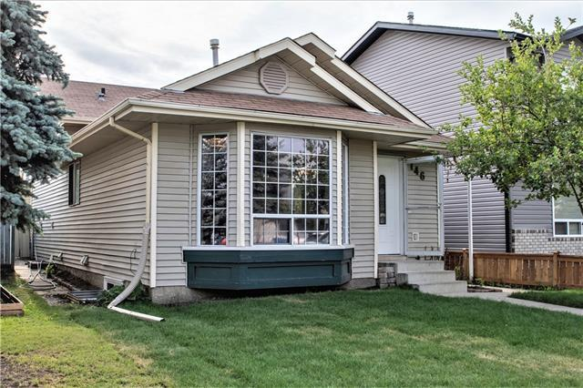 146 Martindale Drive NE, Calgary, AB T3J 3G5 (#C4215999) :: Tonkinson Real Estate Team