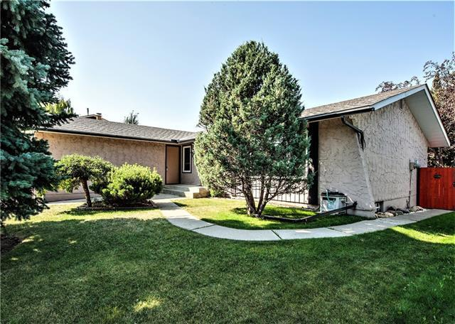 243 Parkside Crescent SE, Calgary, AB T2J 4J3 (#C4216004) :: Calgary Homefinders