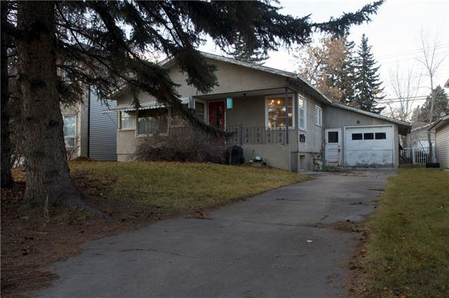 2830 Parkdale Boulevard NW, Calgary, AB T2N 3S8 (#C4216057) :: Canmore & Banff