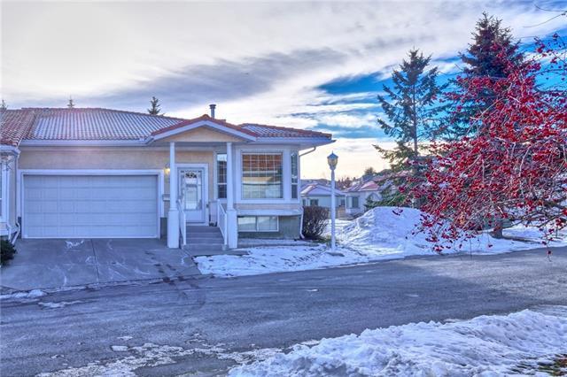 17 Signature Villa(S) SW, Calgary, AB T3H 3P6 (#C4216069) :: The Cliff Stevenson Group