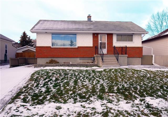 8025 25 Street SE, Calgary, AB T2C 1B1 (#C4216100) :: Calgary Homefinders