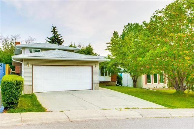 6015 Dalcastle Drive NW, Calgary, AB T3A 2B2 (#C4216402) :: Tonkinson Real Estate Team