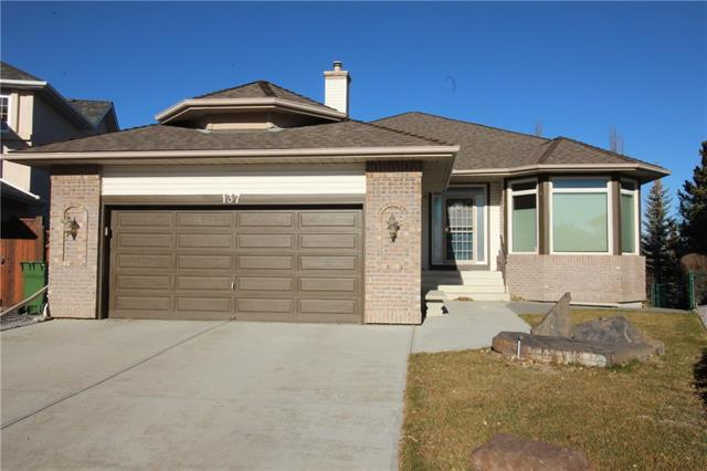 137 Valley Ridge Court NW, Calgary, AB T3B 5L4 (#C4216462) :: Tonkinson Real Estate Team