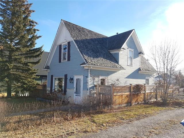 2303 21 Street, Nanton, AB T0L 1R0 (#C4216491) :: Twin Lane Real Estate