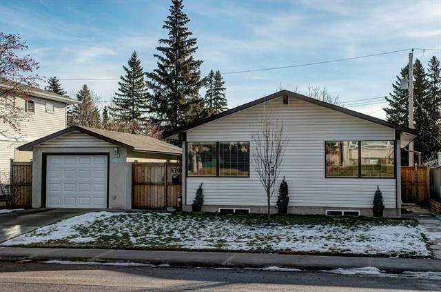 5708 Ladbrooke Drive SW, Calgary, AB T3E 5X8 (#C4216501) :: The Cliff Stevenson Group