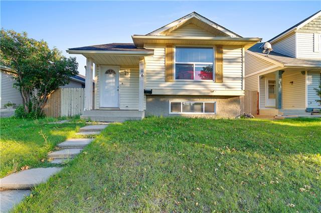 167 Castleridge Drive NE, Calgary, AB T3J 1P6 (#C4217630) :: Calgary Homefinders