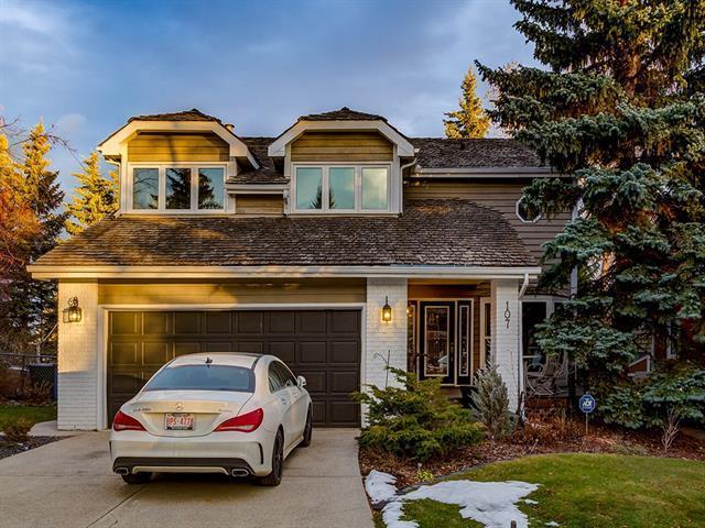 107 Stravanan Bay SW, Calgary, AB T3H 1H3 (#C4217700) :: Your Calgary Real Estate