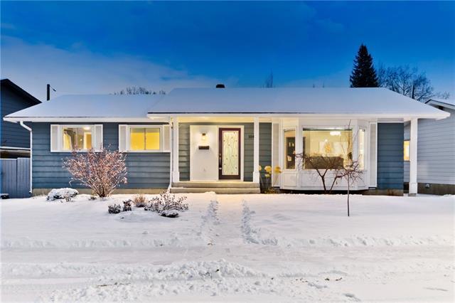 1040 Lake Twintree Drive SE, Calgary, AB T2J 2T1 (#C4217749) :: Redline Real Estate Group Inc