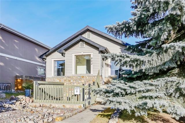 802 23 Avenue NW, Calgary, AB T2M 1T2 (#C4217865) :: Canmore & Banff