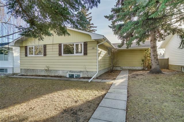 19 Lake Sundance Place SE, Calgary, AB T2J 2S9 (#C4217917) :: Redline Real Estate Group Inc