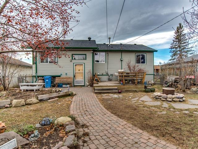 4508 Bowness Road NW, Calgary, AB T3B 0B1 (#C4218578) :: Canmore & Banff