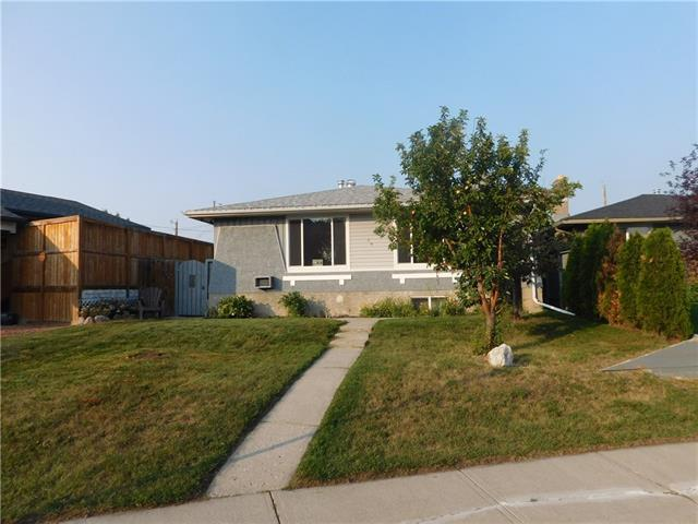 36 Dovercrest Way SE, Calgary, AB T2B 1X2 (#C4218698) :: Redline Real Estate Group Inc