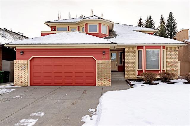 44 Oakmount Court SW, Calgary, AB  (#C4218789) :: The Cliff Stevenson Group