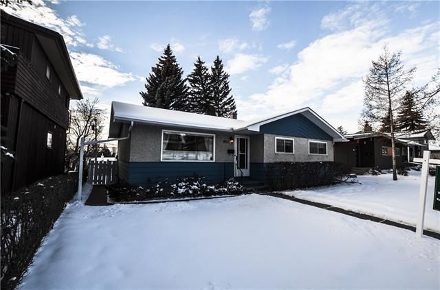 4511 Charleswood Drive NW, Calgary, AB T2L 2E6 (#C4219221) :: Redline Real Estate Group Inc