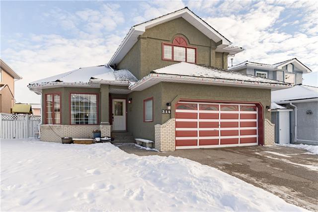 314 California Place NE, Calgary, AB T1Y 6T1 (#C4219241) :: Redline Real Estate Group Inc