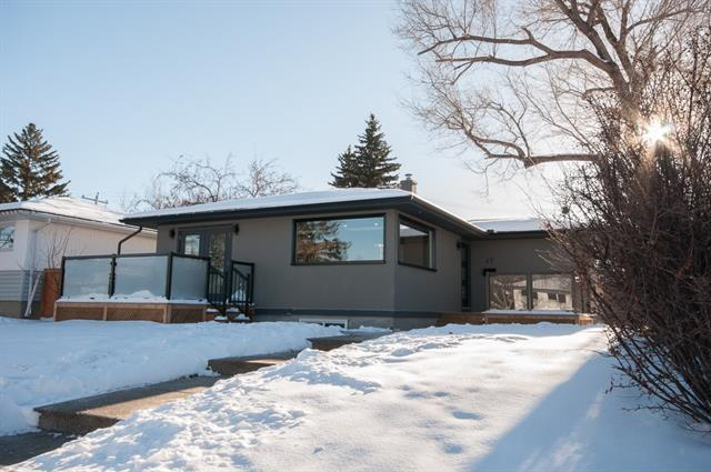 47 Haddock Road SW, Calgary, AB T2V 3J9 (#C4219346) :: Canmore & Banff