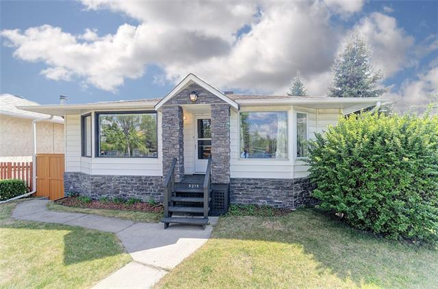 5215 Sheldon Place NW, Calgary, AB T3B 1G6 (#C4219528) :: Canmore & Banff