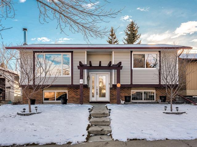 47 Bedford Drive NE, Calgary, AB T3K 1L2 (#C4219764) :: Calgary Homefinders