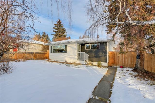 708 Heritage Drive SW, Calgary, AB T2V 2W5 (#C4219917) :: Redline Real Estate Group Inc