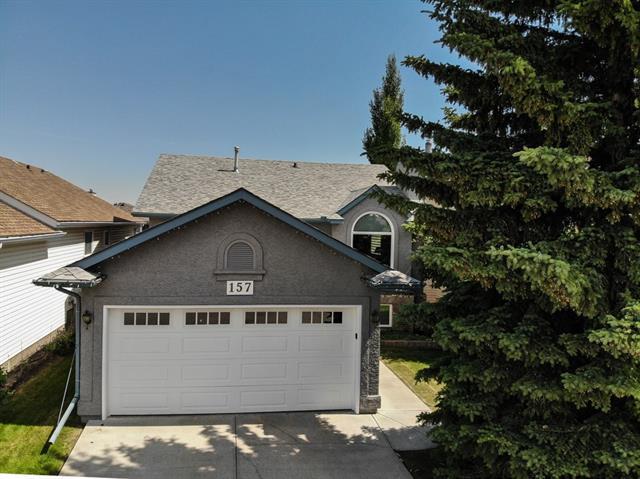 157 Shawbrooke Close SW, Calgary, AB T2Y 3A6 (#C4220017) :: Canmore & Banff