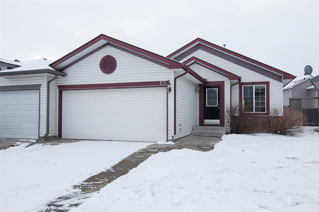 105 Canoe Square SW, Airdrie, AB T4B 2N7 (#C4220713) :: Canmore & Banff