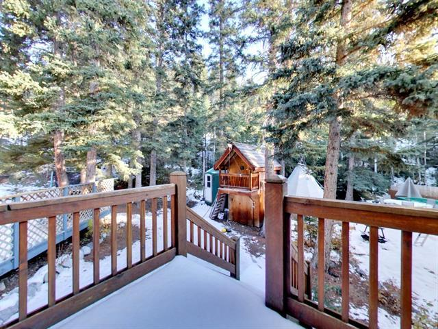 36 Ridge Road, Canmore, AB T1W 1G6 (#C4220722) :: Redline Real Estate Group Inc