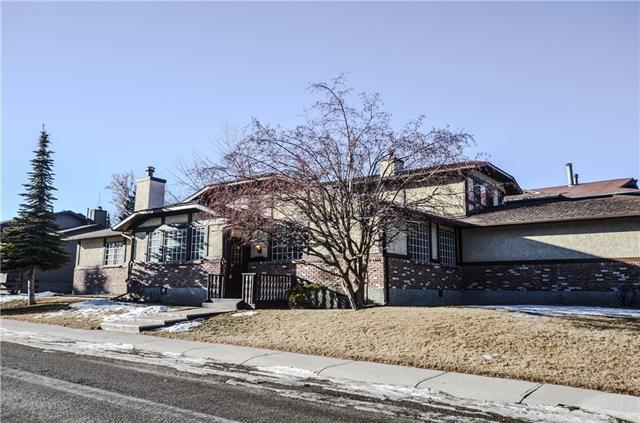 6703 Coach Hill Road SW, Calgary, AB  (#C4221050) :: Canmore & Banff