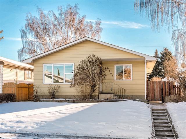 3307 Dover Ridge Drive SE, Calgary, AB T2B 2A8 (#C4221282) :: Canmore & Banff