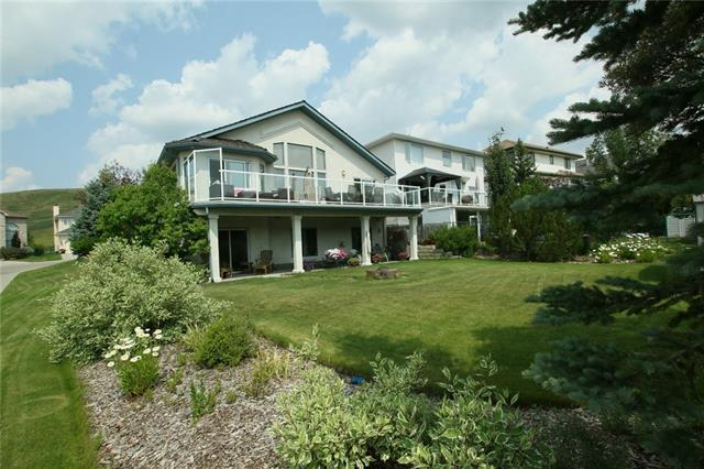 15 Gleneagles Close, Cochrane, AB T4C 1N7 (#C4221440) :: Redline Real Estate Group Inc