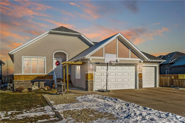 2142 High Country Rise NW, High River, AB T1V 0E1 (#C4221468) :: Redline Real Estate Group Inc