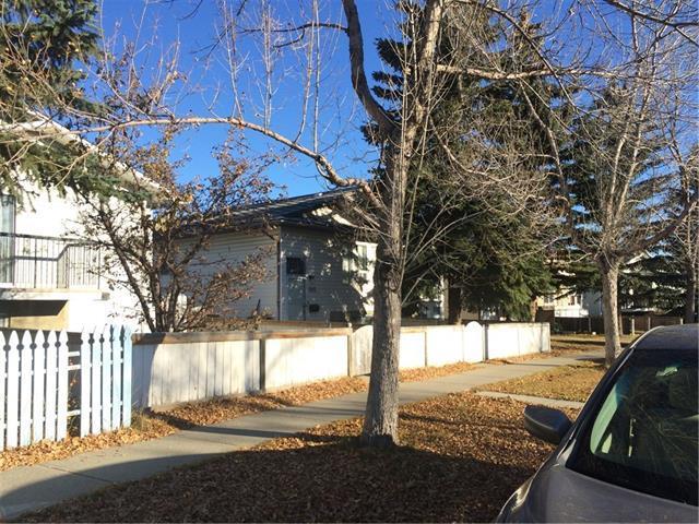 545 Macewan Drive NW, Calgary, AB T3K 3A4 (#C4221801) :: Redline Real Estate Group Inc