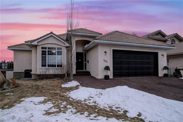 123 Strathearn Place SW, Calgary, AB T3H 2P8 (#C4221913) :: The Cliff Stevenson Group