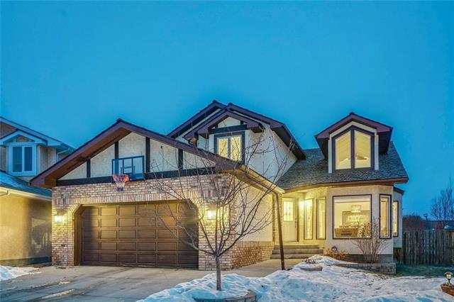 123 Wood Valley Bay SW, Calgary, AB T2W 5Y1 (#C4222233) :: Redline Real Estate Group Inc
